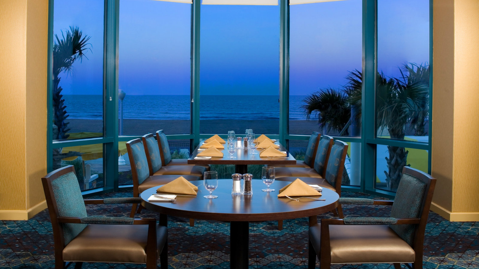 Fusion Restaurant and Lounge at Sheraton Virginia Beach Oceanfront Hotel